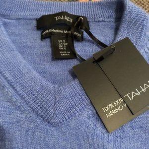 Tahari Sweaters - Tahari Merino 100% Wool Extrafine Lt Blue Sweater